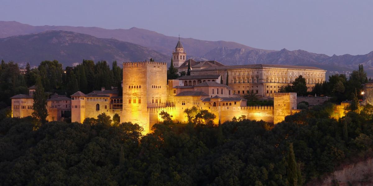 Alhambra de noche