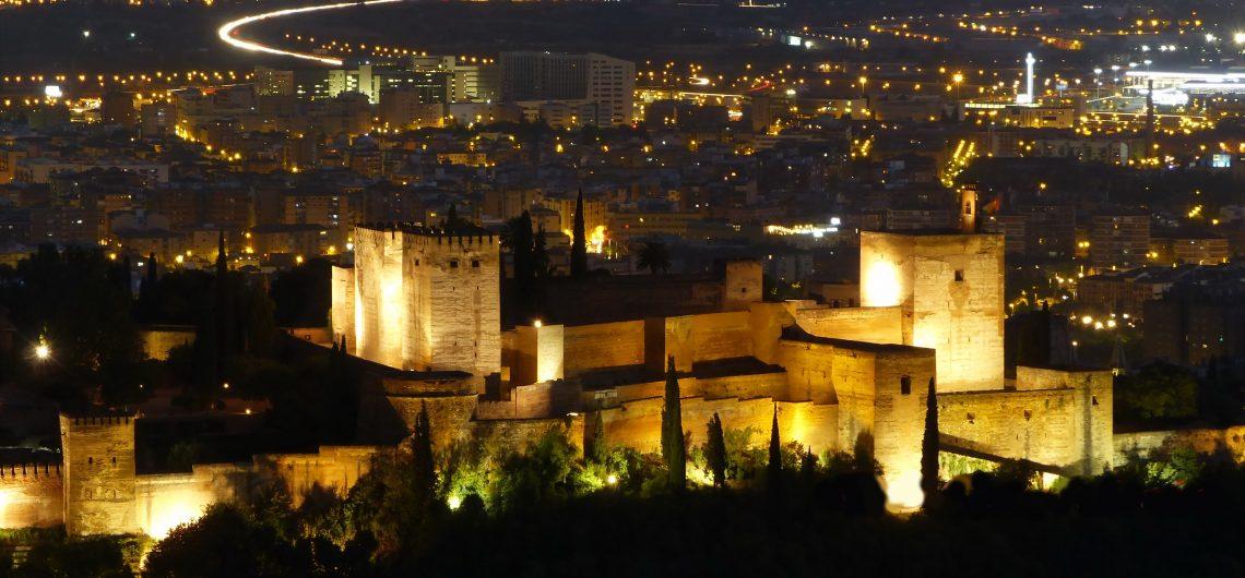 alhambra nocturna granada balea