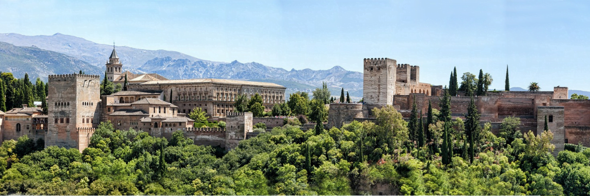 Alhambra and Generalife premium guided tour: small groups